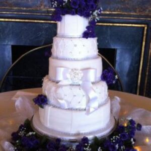Example of a 5 tiered round cake stand