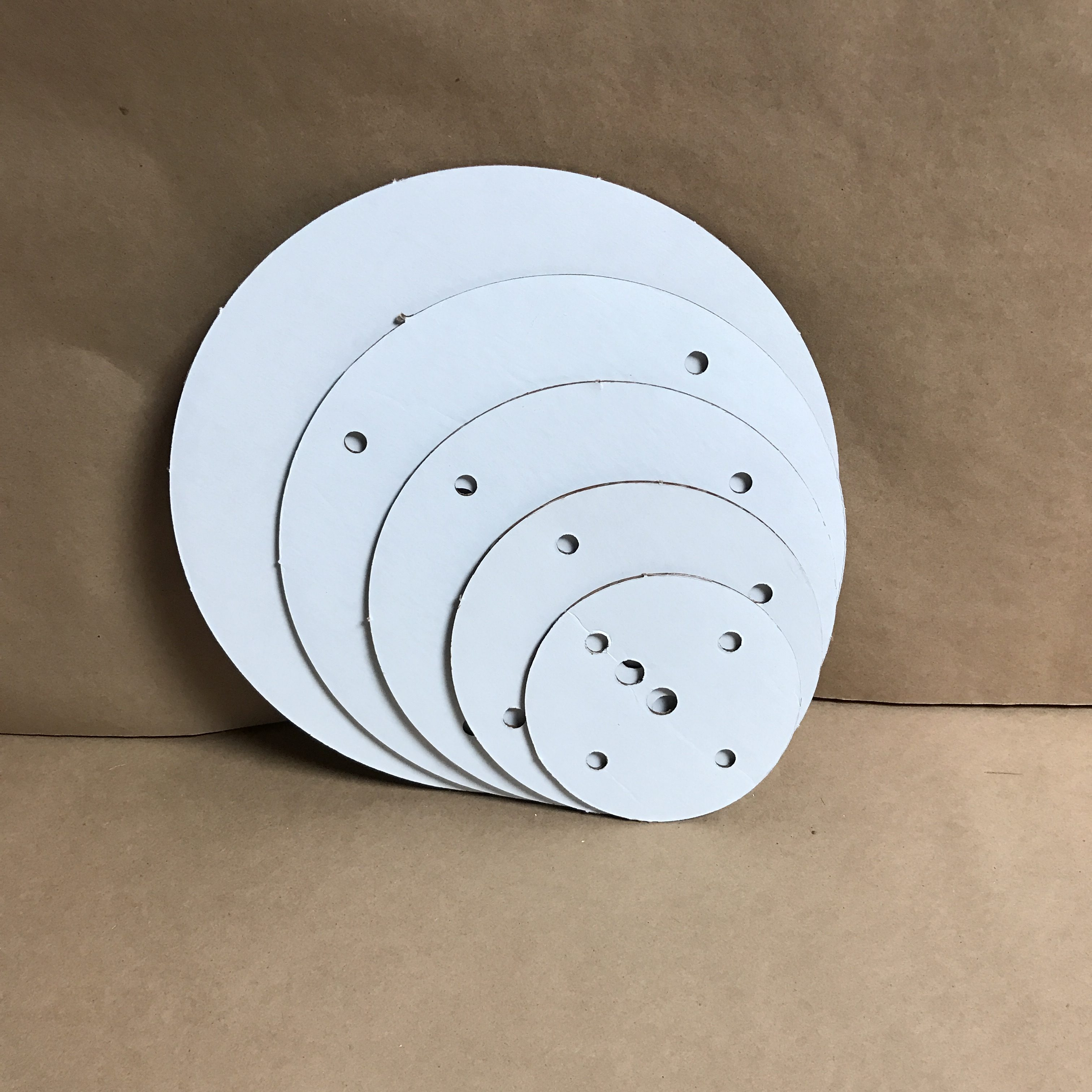 14-12-10-8-6 inch round disposable cake board set
