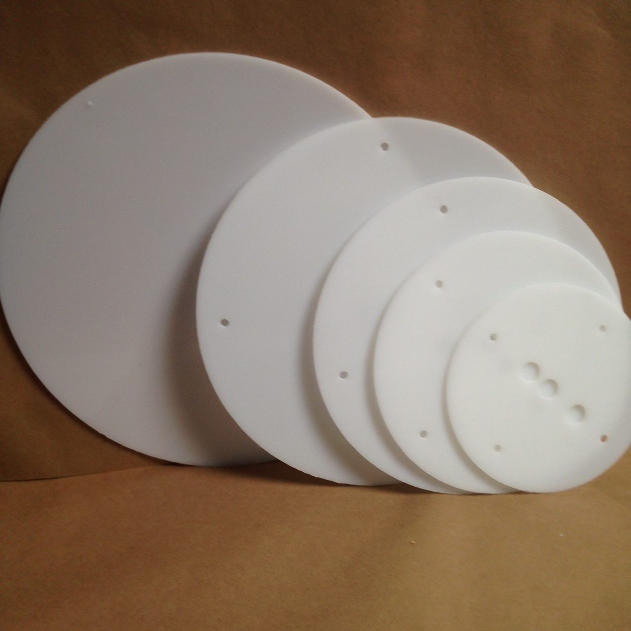 16-14-12-10-8 inch round plastic cake board set