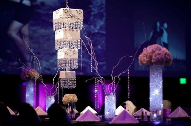 Chandelier SQ Hanging Cake