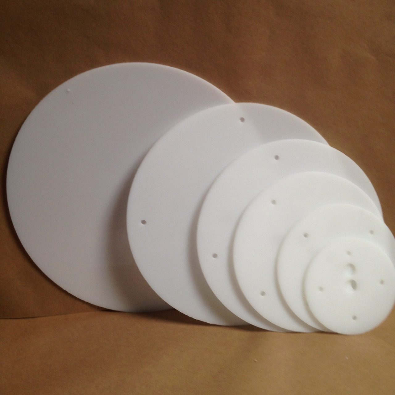 16-14-12-10-8-6 inch round plastic cake board set