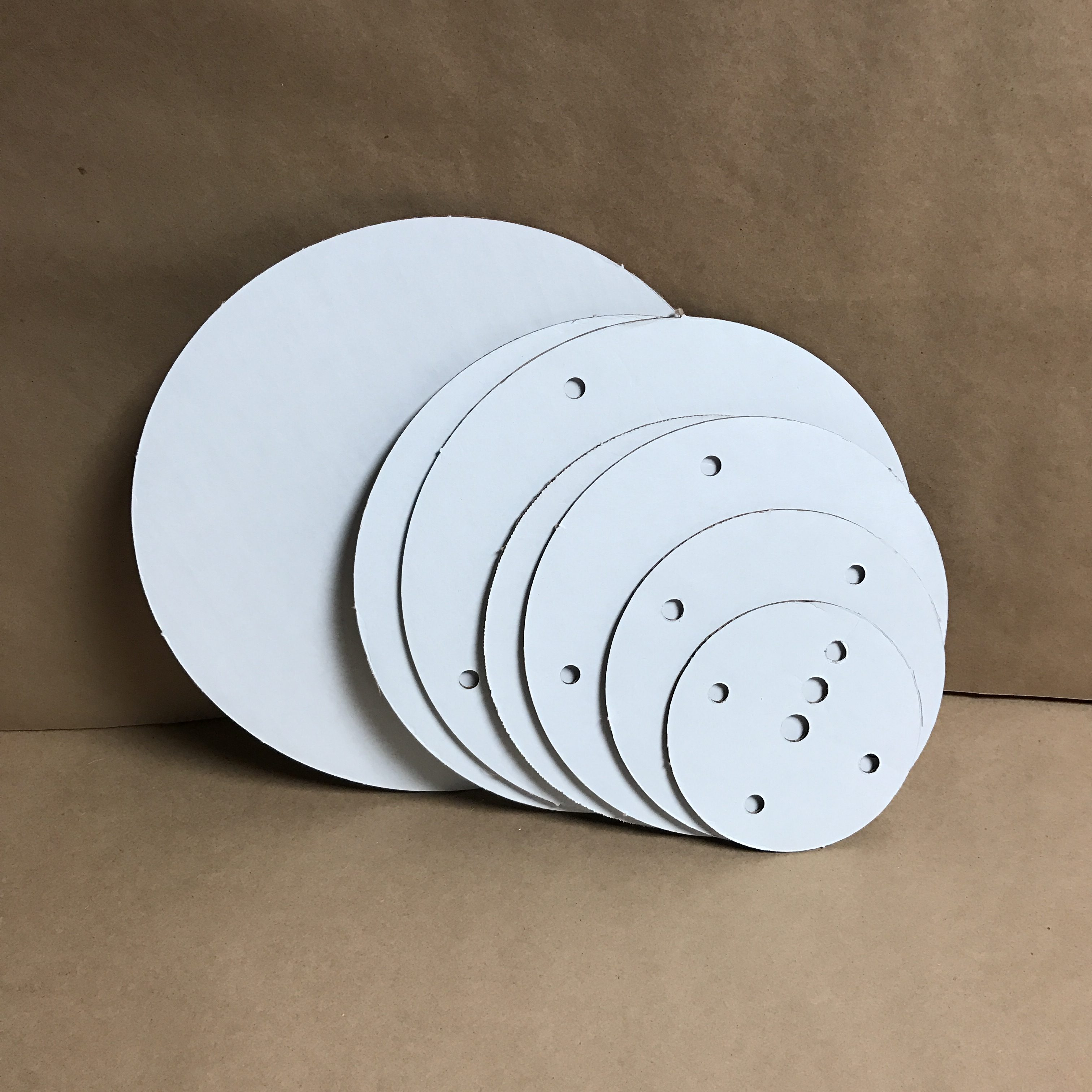 14 inch round corrugated disposable cake board set